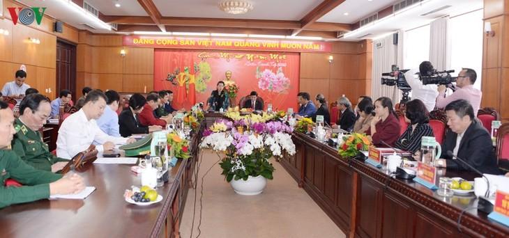 Ketua MN Nguyen Thi Kim Ngan mengadakan temu kerja dengan para pemimpin Provinsi Dac Lac - ảnh 1