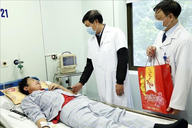 Vietnam sedang  berhasil mengontrol  wabah penyakit radang paru-paru akut  karena virus Corona baru - ảnh 1
