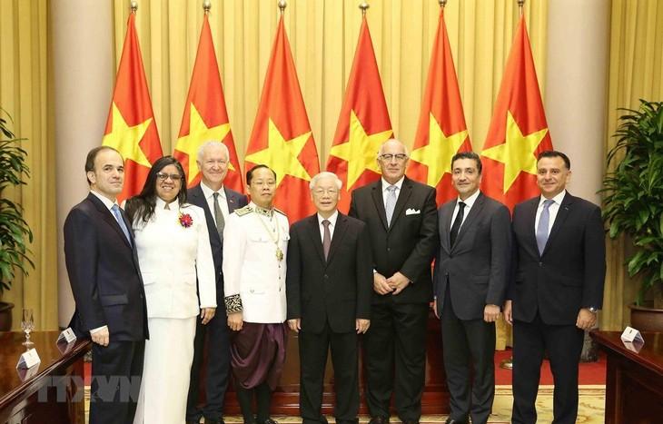 Sekjen, Presiden Vietnam, Nguyen Phu Trong menerima para Dubes - ảnh 1