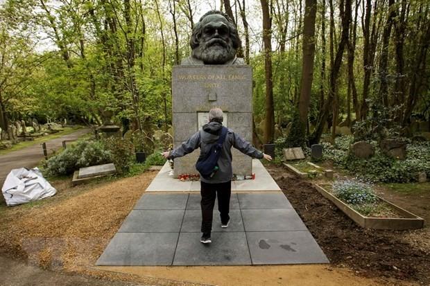 Dedikasi-dedikasi besar dari Karl Marx- Nilai ideologi dan daya  hidup dalam  zaman sekarang - ảnh 1