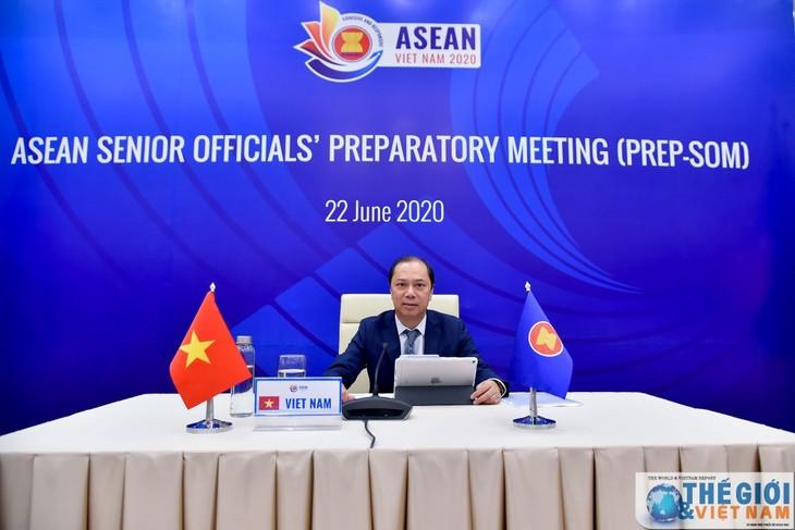 KTT ASEAN: Tanpa memperdulikan Wabah Covid-19-ASEAN bertekat mendorong agenda   prioritas - ảnh 1