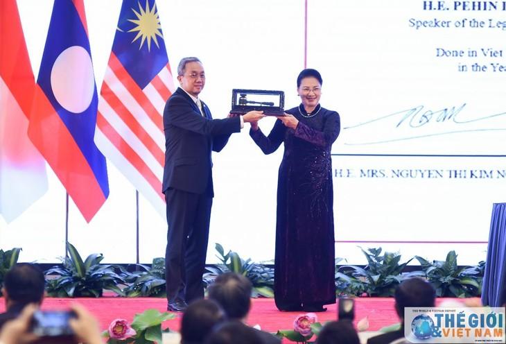 AIPA 41  merupakan kemajuan penting untuk mendorong solidaritas,  kerja sama antar-parlemen negara anggota  ASEAN - ảnh 2