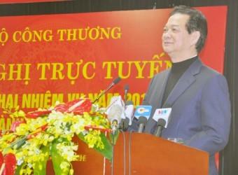 Nguyen Tan Dung : Il faut lever les obstacles à la production et au commerce  - ảnh 1