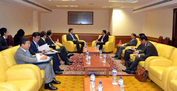 Foreign Minister Pham Binh Minh's bilateral talks on the sidelines of AMM46 - ảnh 1