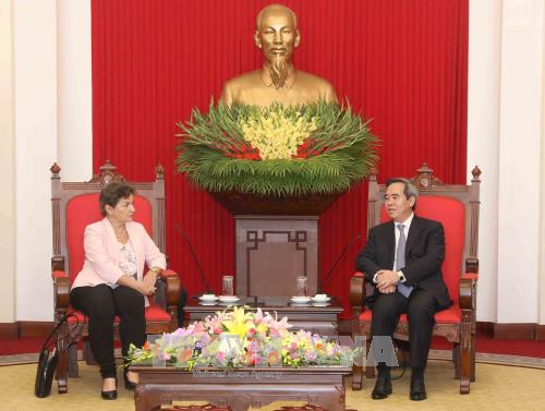 Vietnam gives priority to climate change response, renewable energy development - ảnh 1