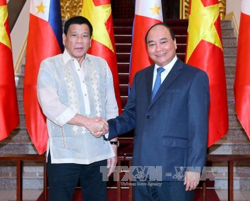 越南政府总理阮春福会见菲律宾总统杜特尔特 - ảnh 1