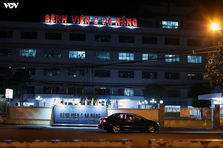 Chùm ảnh: Dỡ bỏ phong tỏa, Bệnh viện C Đà Nẵng mở cửa đón bệnh nhân trở lại - ảnh 5