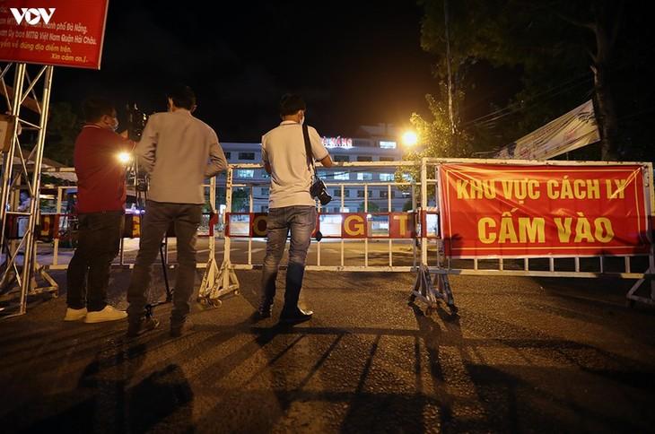 Chùm ảnh: Dỡ bỏ phong tỏa, Bệnh viện C Đà Nẵng mở cửa đón bệnh nhân trở lại - ảnh 6