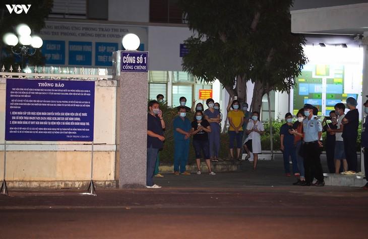 Chùm ảnh: Dỡ bỏ phong tỏa, Bệnh viện C Đà Nẵng mở cửa đón bệnh nhân trở lại - ảnh 10