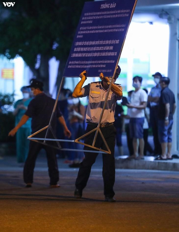 Chùm ảnh: Dỡ bỏ phong tỏa, Bệnh viện C Đà Nẵng mở cửa đón bệnh nhân trở lại - ảnh 11