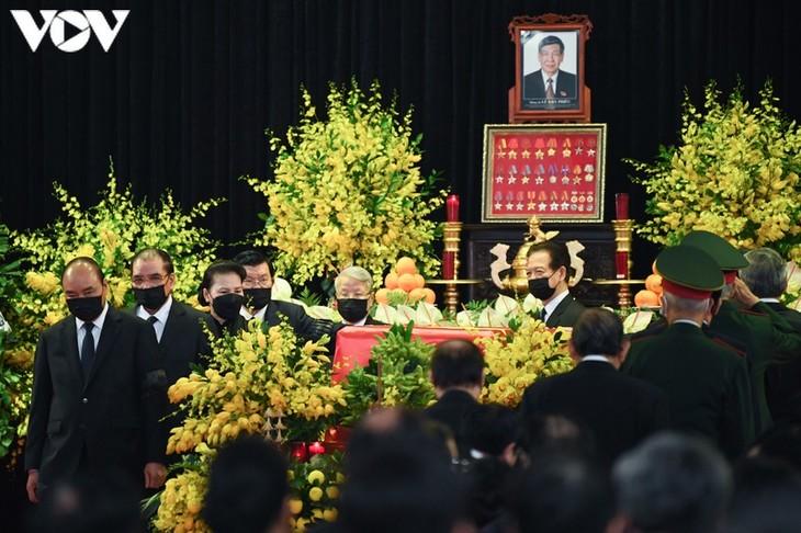 Toàn cảnh Lễ truy điệu nguyên Tổng Bí thư Lê Khả Phiêu - ảnh 8