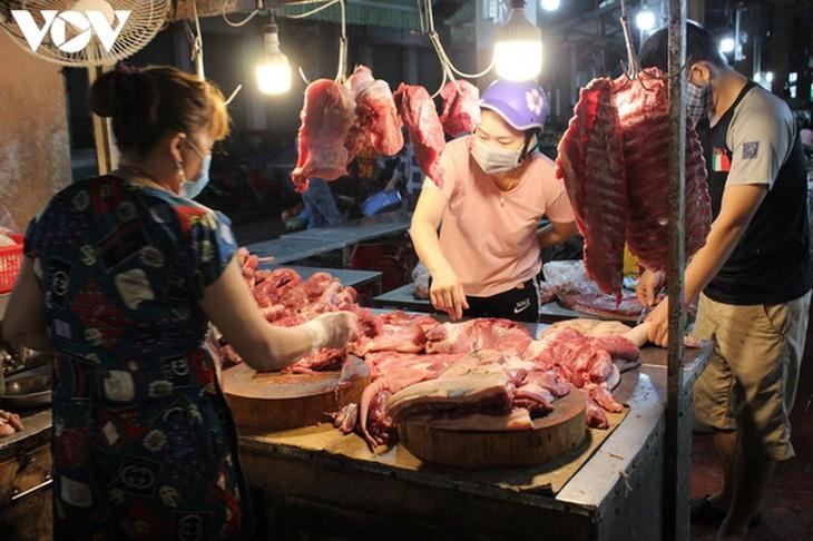 Chợ Nại Hiên Đông, Đà Nẵng mở cửa trở lại sau khi bị phong toả - ảnh 1