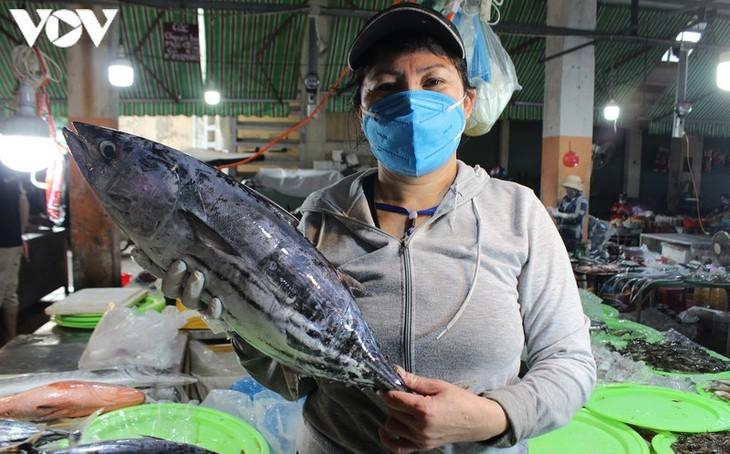 Chợ Nại Hiên Đông, Đà Nẵng mở cửa trở lại sau khi bị phong toả - ảnh 5