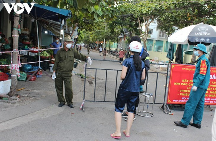 Chợ Nại Hiên Đông, Đà Nẵng mở cửa trở lại sau khi bị phong toả - ảnh 8