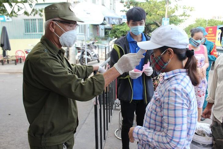 Chợ Nại Hiên Đông, Đà Nẵng mở cửa trở lại sau khi bị phong toả - ảnh 9