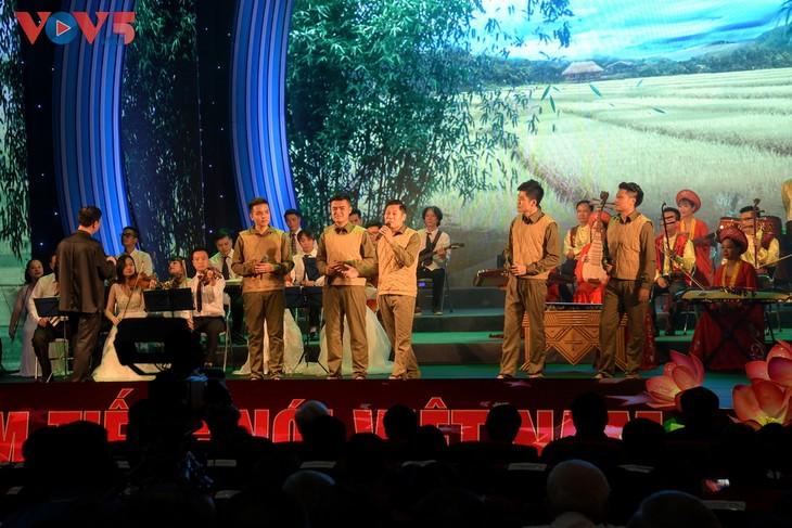 Toàn cảnh lễ kỷ niệm 75 năm ngày thành lập Đài TNVN và đón nhận Huân chương Lao động hạng Nhất - ảnh 13