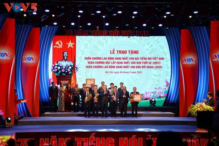 Toàn cảnh lễ kỷ niệm 75 năm ngày thành lập Đài TNVN và đón nhận Huân chương Lao động hạng Nhất - ảnh 8