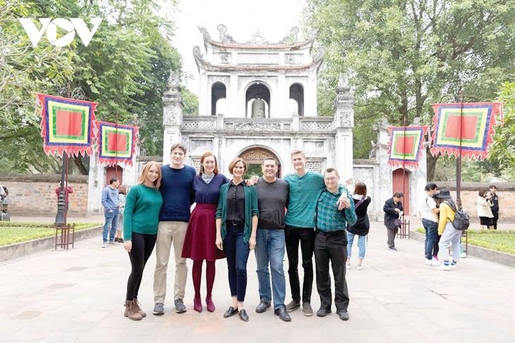 Chúng tôi chọn Việt Nam là nơi gia đình sum họp đón năm mới - ảnh 2