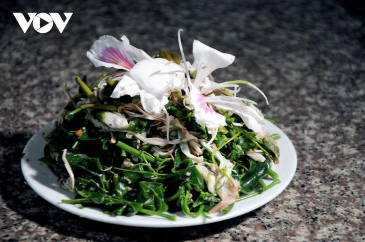 Lên Sơn La thưởng thức món ăn hấp dẫn từ hoa ban - ảnh 12