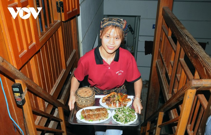 Lên Sơn La thưởng thức món ăn hấp dẫn từ hoa ban - ảnh 14