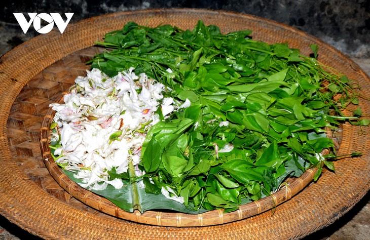Lên Sơn La thưởng thức món ăn hấp dẫn từ hoa ban - ảnh 6