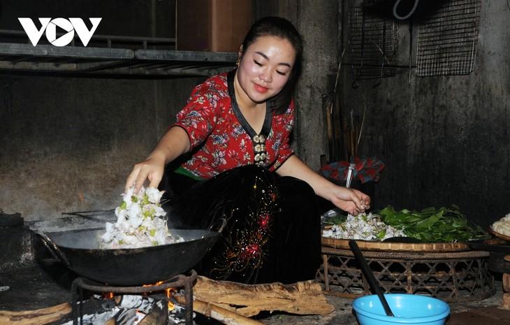 Lên Sơn La thưởng thức món ăn hấp dẫn từ hoa ban - ảnh 9