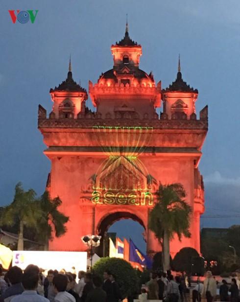 Le 50ème anniversaire de l'ASEAN célébré dans différents pays - ảnh 2