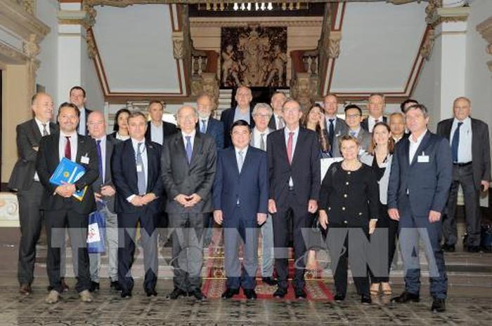 Nguyên Thành Phong reçoit des hommes d'affaires français - ảnh 1