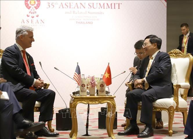 35e Sommet d'ASEAN: Pham Binh Minh reçoit Robert O'Brien - ảnh 1