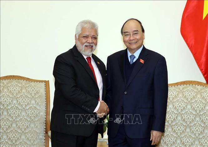 L'Ordre de l'Amitié à l'ambassadeur vénézuélien au Vietnam - ảnh 1