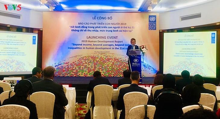 PNUD Vietnam publie le rapport sur le développement humain 2019 - ảnh 1