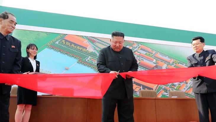 Kim Jong-un n'a pas subi d'opération chirurgicale, assure Séoul - ảnh 1