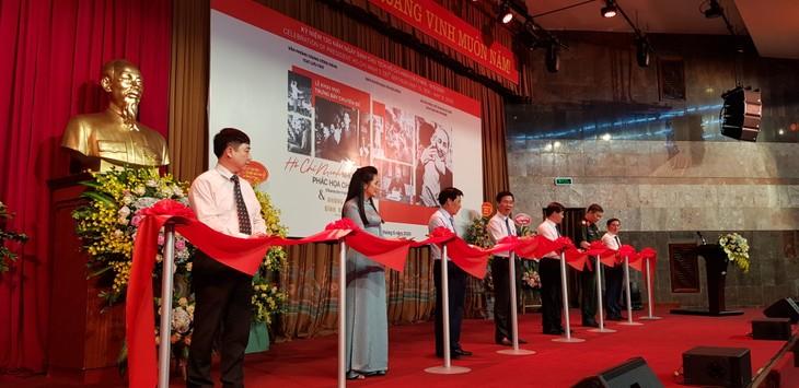 Vernissage de deux expositions en hommage au Président Hô Chi Minh  - ảnh 1