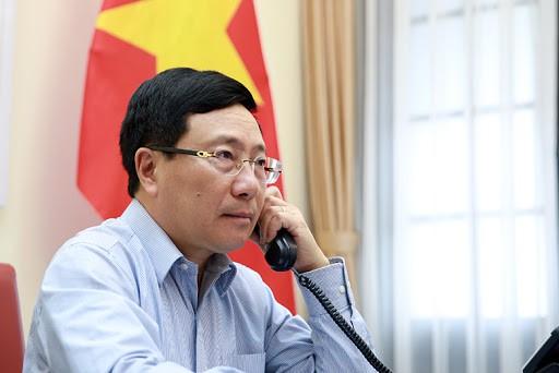 Le Vietnam et le Japon discutent de la lutte anti-Covid-19 et de la coopération économique - ảnh 1