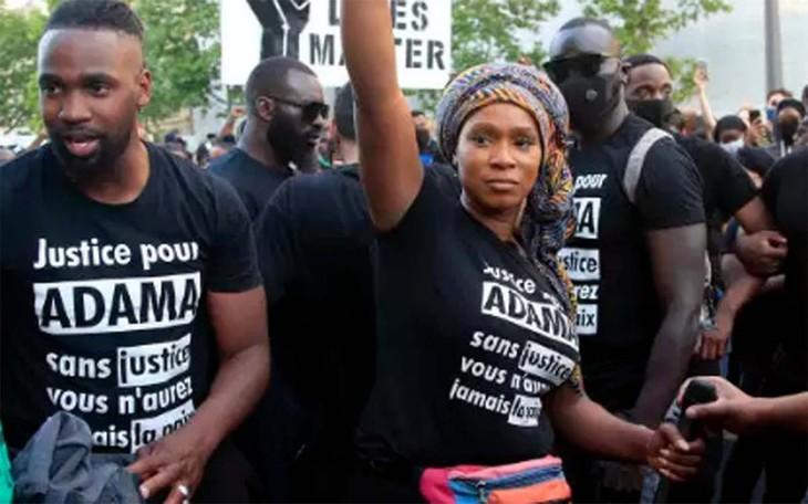 Violences policières et racisme: Christophe Castaner essaye d'éteindre le feu - ảnh 1