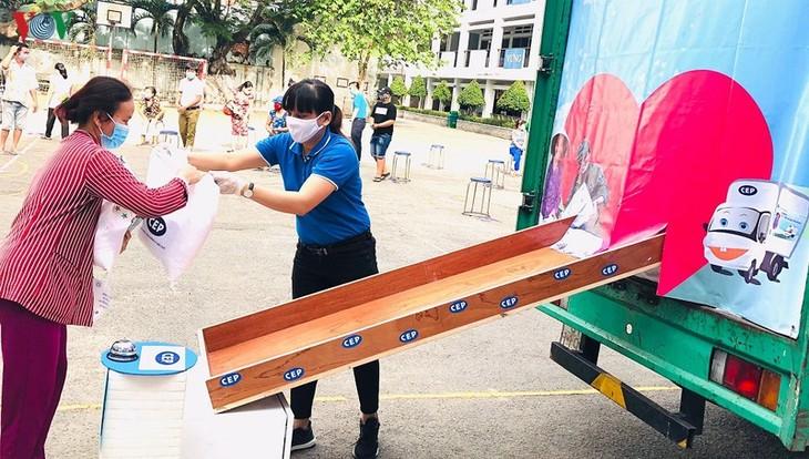 Les syndicats de Hô Chi Minh-ville aident les travailleurs en difficulté - ảnh 2