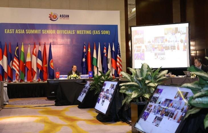 Visioconférence des hauts officiels des 18 pays membres du sommet d'Asie de l'Est (EAS) - ảnh 1