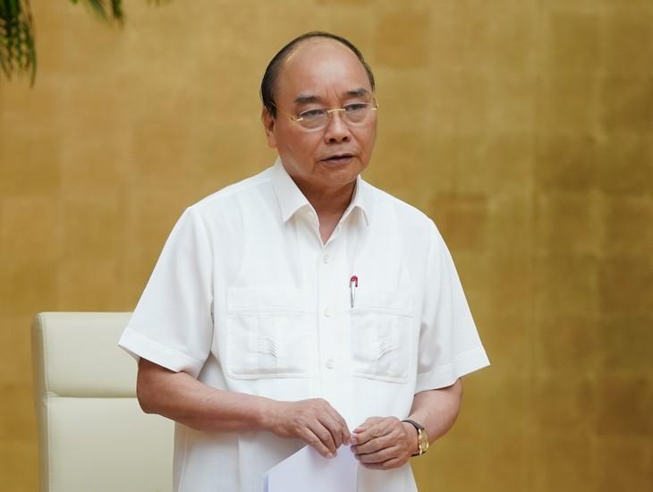 Nguyên Xuân Phuc: chaque localité doit définir sa propre stratégie anti-Covid-19 - ảnh 1