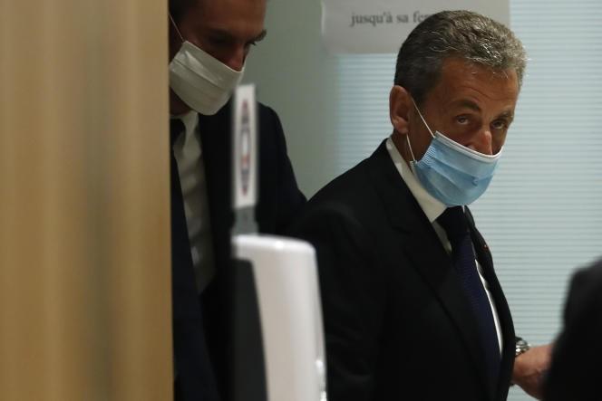 Nicolas Sarkozy condamné à trois ans de prison dont un an ferme dans l'affaire des écoutes - ảnh 1
