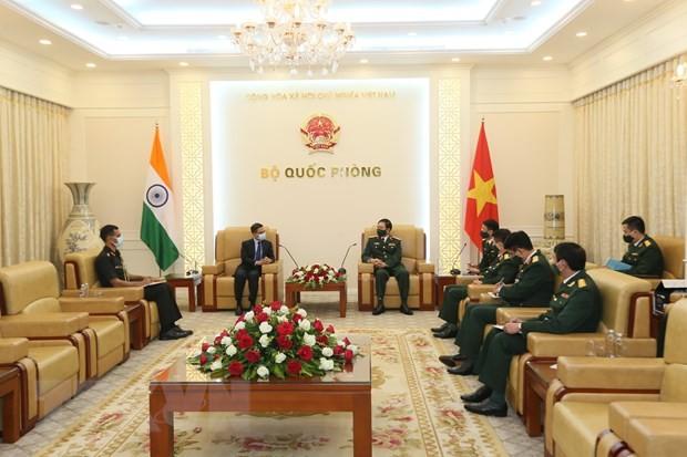 Défense: Nguyên Tân Cuong reçoit les ambassadeurs sud-coréen et indien - ảnh 2
