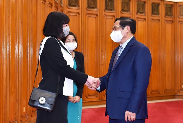 Pham Minh Chinh reçoit l'ambassadrice de Roumanie au Vietnam - ảnh 1