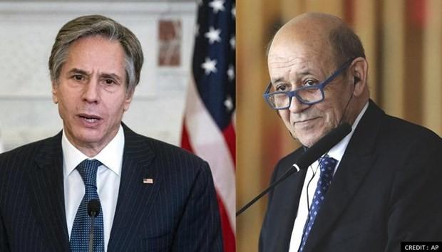 Crise des sous-marins: Jean-Yves Le Drian rencontrera mardi le secrétaire d'État américain  - ảnh 1