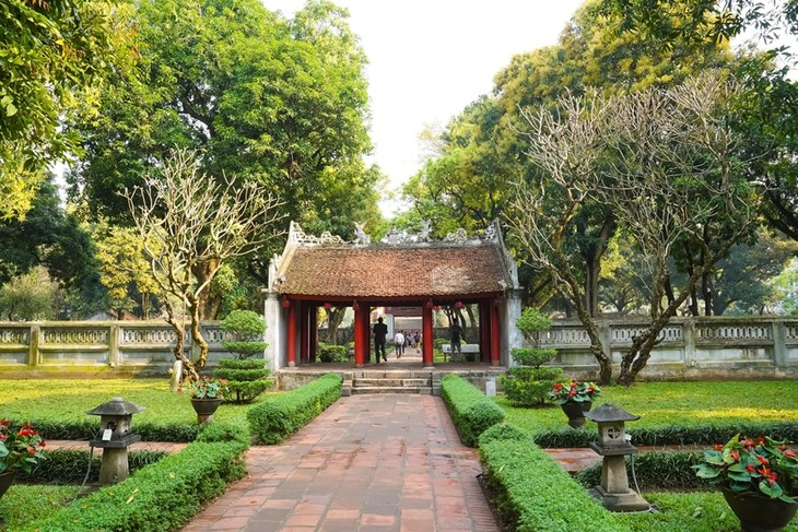 Le temple de la Littérature de Hanoi - ảnh 1