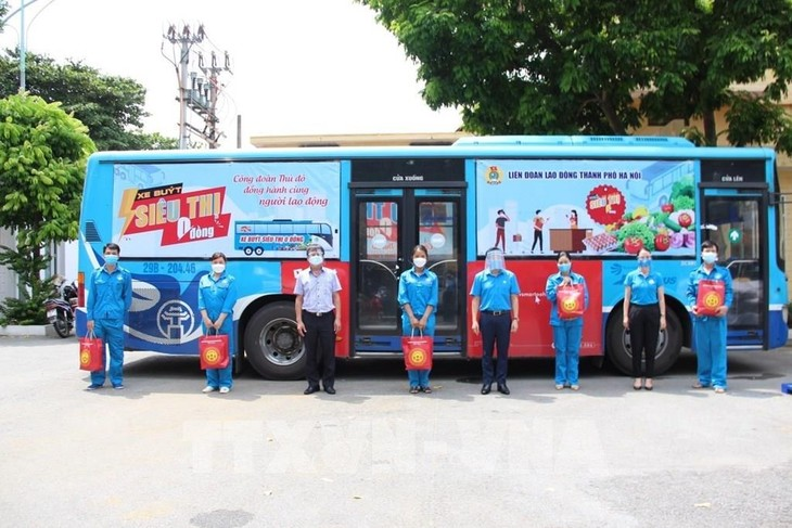 La Fédération du travail de Hanoï vient en aide à 46.000 travailleurs - ảnh 1