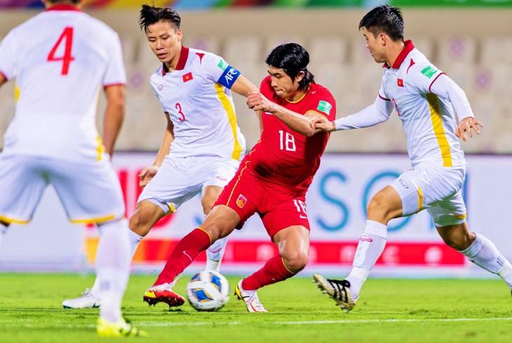 Éliminatoires de la Coupe du monde de football: le Vietnam s'incline 2-3 devant la Chine - ảnh 1