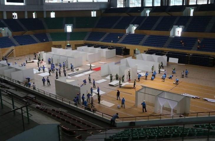 Đà Nẵng gấp rút lắp đặt bệnh viện dã chiến Cung thể thao Tiên Sơn - ảnh 1