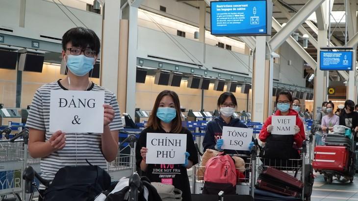 Đưa 264 công dân Việt Nam từ Canada về nước - ảnh 14