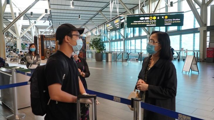 Đưa 264 công dân Việt Nam từ Canada về nước - ảnh 9