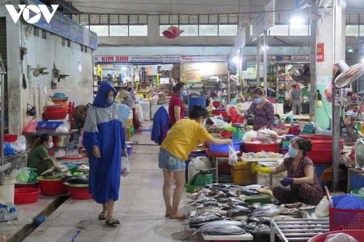 Ngày đầu tiên người Đà Nẵng dùng thẻ đi chợ phòng ngừa Covid-19 - ảnh 13