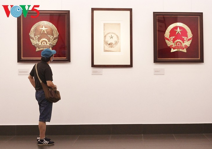Triển lãm về sự ra đời của Quốc huy Việt Nam tại Hà Nội - ảnh 3